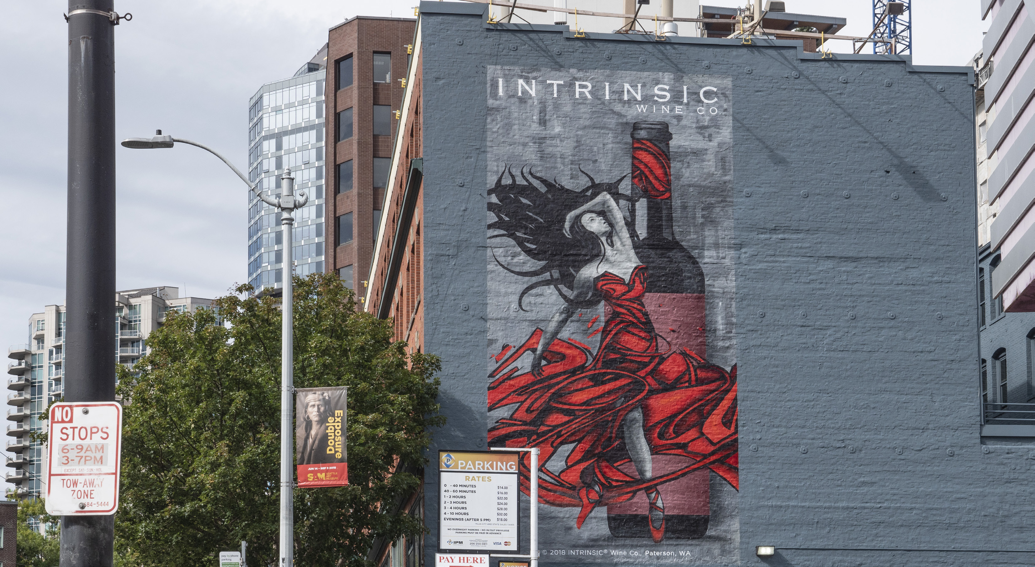 Intrinsic Wine Co.: Painted Wall Puts the 'Art' of Wine on Display
